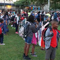 Let's Go Walking! to School Day Crowd